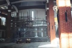 Rozbiórka konstrukcji w prezbiterium - 1998